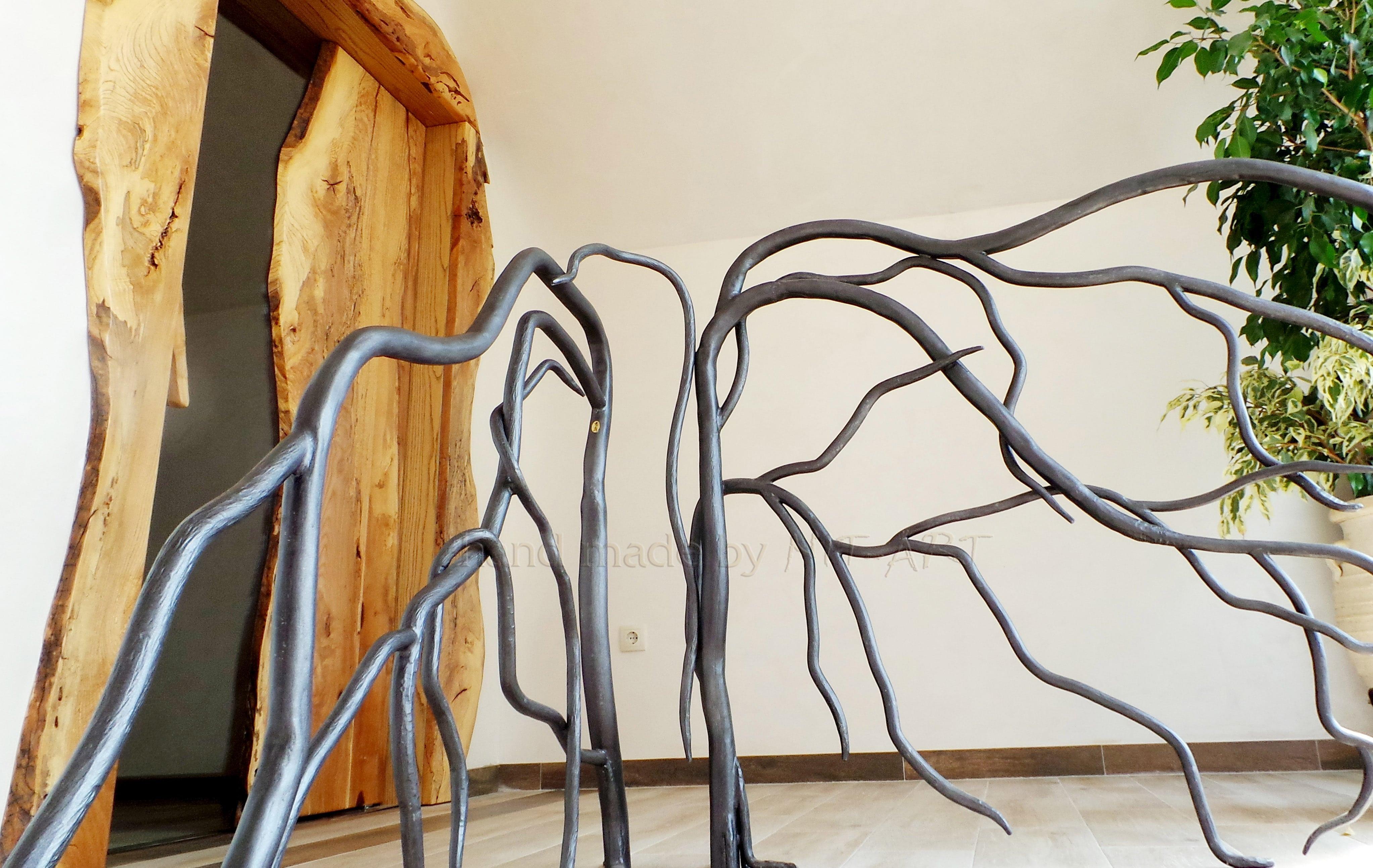 NIT-ART Kovano gvozdje, ograda za stepenice. Ručno kovano i savijano. Svaka grana je posebno kovana i oblikovana.